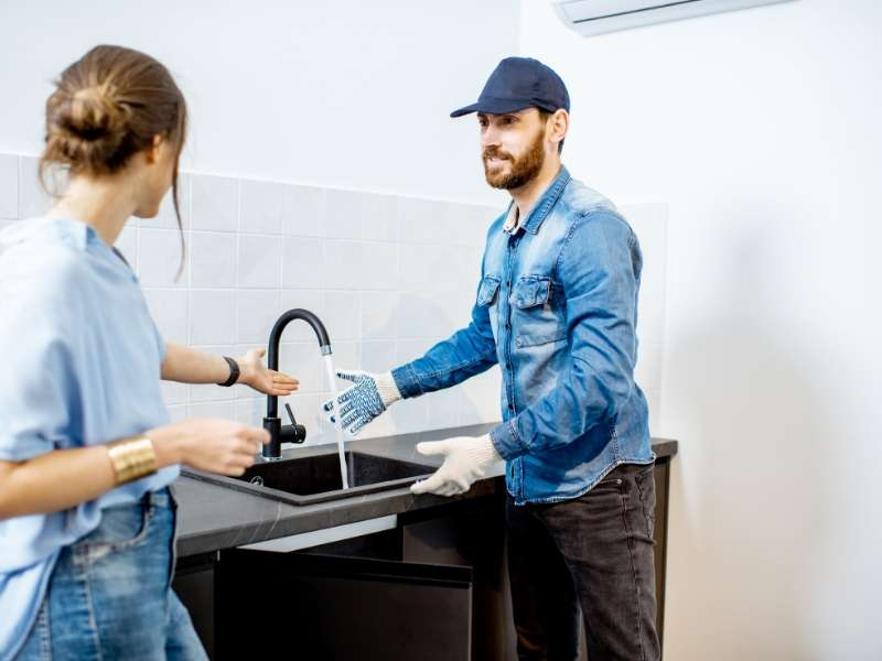 Effective and professional plumber – how to choose the good one?